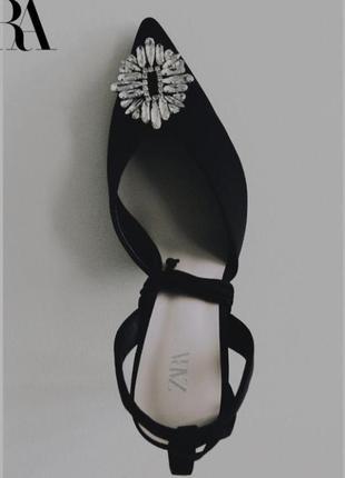 Чёрные туфли из новой коллекции