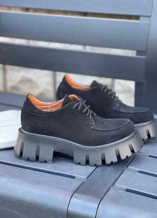 🖤 замшевые женские туфли броги на тракторной подошве чёрные