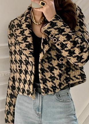 Стильный женский пиджак укороченный
