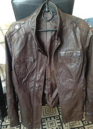 Кожаная куртка шоколадного цвета