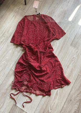 Платье в горох со сборкой