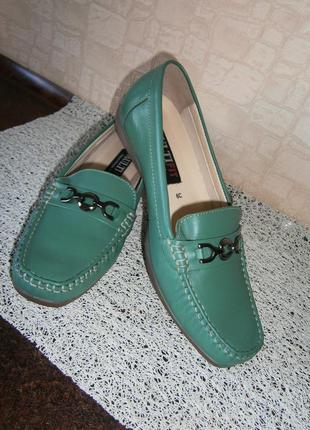 Красивые, стильные туфли-мокасины из натуральной кожи. размер 38. multi fit