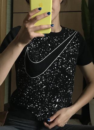 Топ от nike с необычной спинкой найк футболка топик