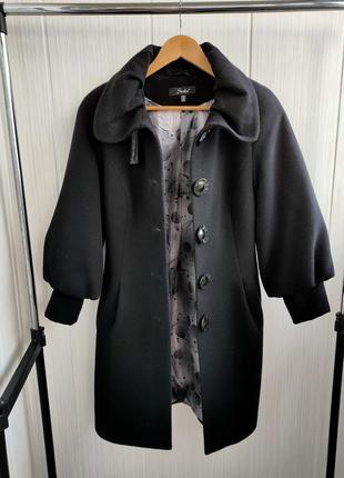 Элегантное пальто деми осень с объёмным рукавом s