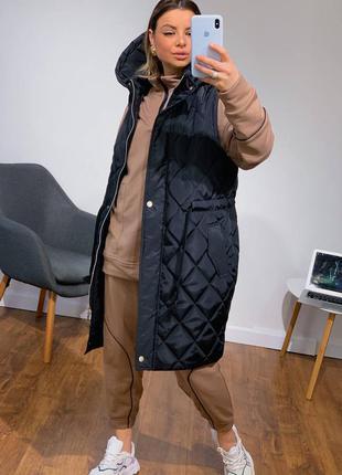 Крутая жилетка стёганная, 4 цвета, с капюшоном, длинная жилетка, тёплая жилетка, безрукавка, жилетка удлинённый жилет, оверсайз