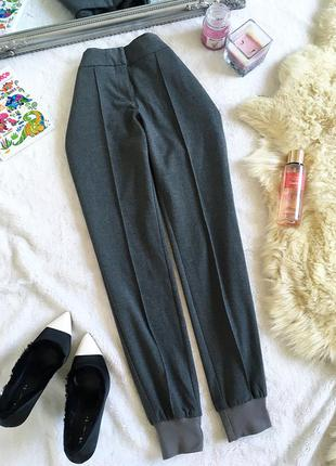 Обалденные брюки джогеры со стрелками s.oliver