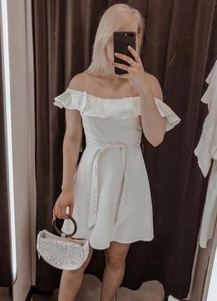 Красивое льняное платье с оборкой zara сукня плаття льон