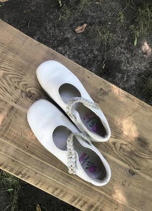 Туфли белые 34 р
