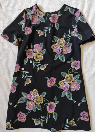 Короткое платье вышивка