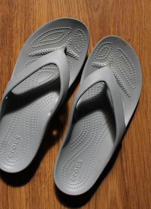Женские вьетнамки сланцы шлепанцы пляжные crocs w8 (38-39)