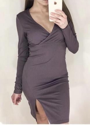 Трикотажное платье на запах в рубчик сиреневого цвета размер s m