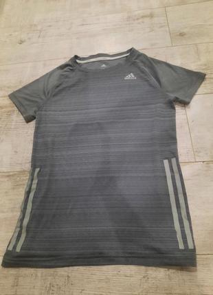 Оригинальная  беговая футболка adidas