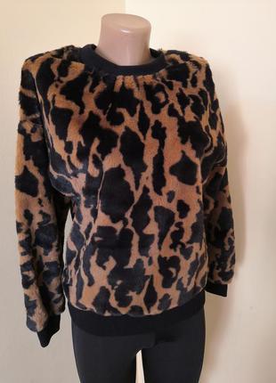 Стилтный теплый свитер, свитшот