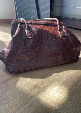 Кожаная сумка под крокодила