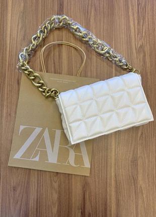 Женская стильная сумочка-клатч zara на цепочке