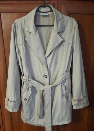Шикарная курточка- ветровка