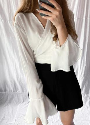 Missguided белая женственная блуза на запа́х с интересными рукавами
