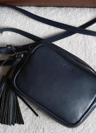Esprit очаровательная кожаная сумка на длинной ручке.