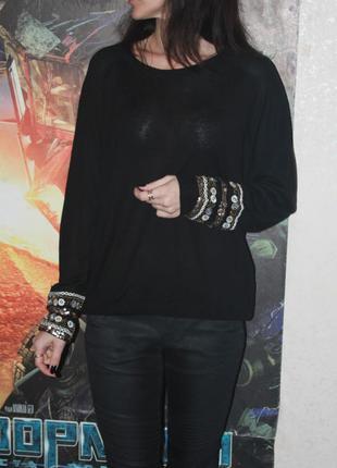 Очень красивый свитерок размер м