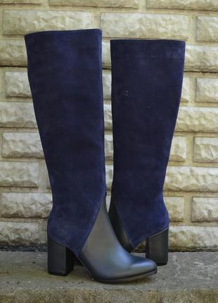 Сапоги из темно - синей кожи и замш на низком каблуке 6см