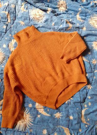 Стильный свитер из нат. шерсти