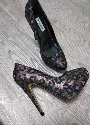 Женские нарядные блестящие туфли на платформе шпильке высоком каблуке