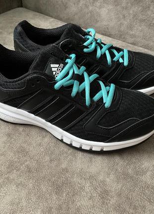 Фирменные кроссовки adidas оригинал