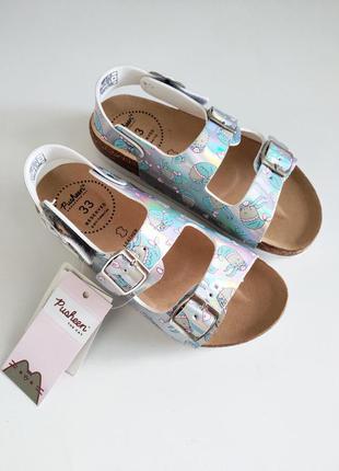 Новые красивые босоножки сандалии на девочку с котом pusheen от reserved 33 и 34 размер