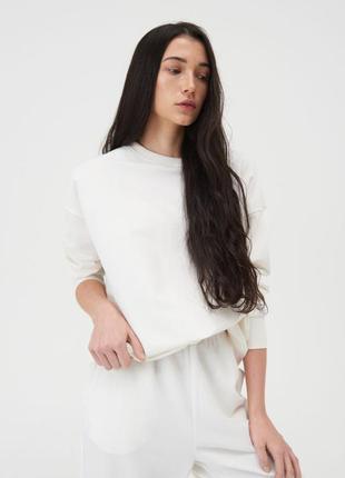 Свитшот белого цвета от бренда sinsay 🤍🔝