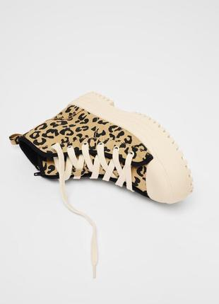 Высокие кеды, кроссовки с леопардовым принтом zara
