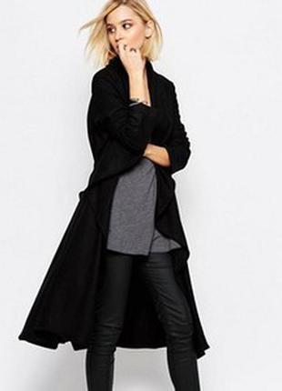 Черное шерстяное пальто religion