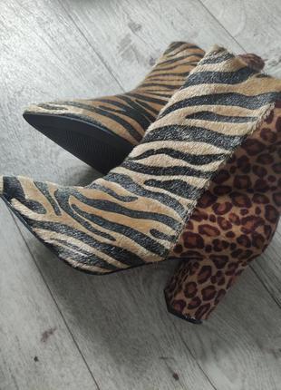 Яркие, стильные ботинки, ботильоны, сапоги. 41. животный принт.