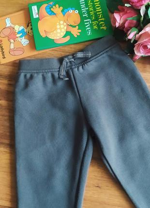 Классные трикотажные с начесом штаны, джоггеры primark на 2-2,5 года.