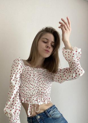 Блуза на затяжке