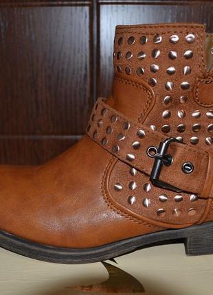 Стильные демисезонные ботинки refresh (англия) из экокожи.