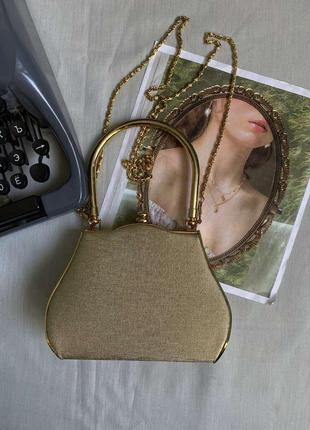 Красивая винтажная сумочка