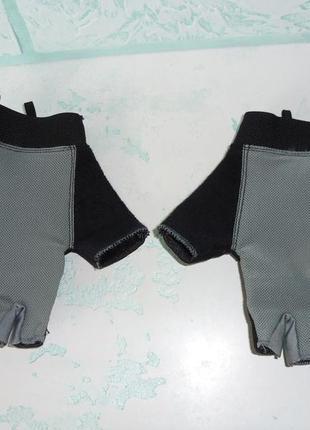 Спортивные перчатки для зала и фитнеса