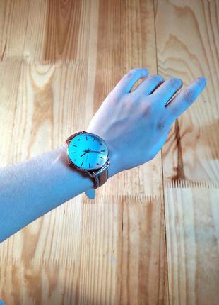 Наручні часи, годинник