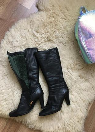 Зимние чёрные сапоги на меху кожа высокий каблук