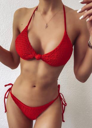 Красный купальник с узелком на лифе l