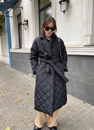 Женское черное стеганное пальто