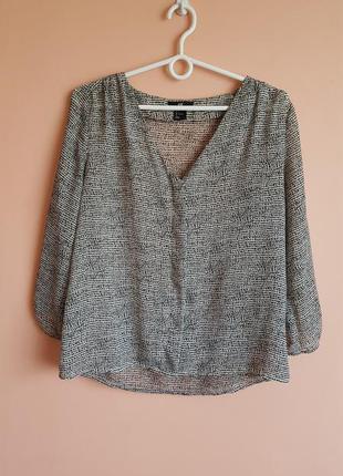 Стильная блуза в принт