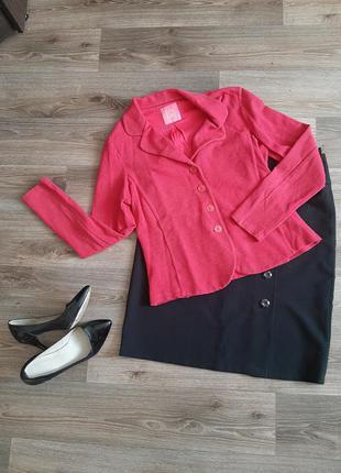 Стильный пиджак малинового розового цвета  -46-48 размера.