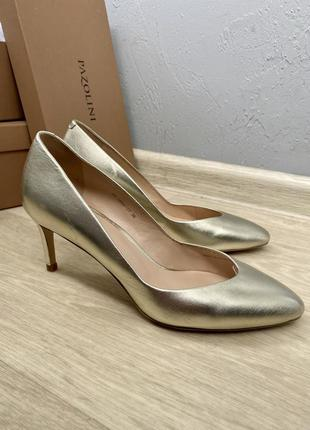 Удобный туфли лодочки на невысоком каблуке