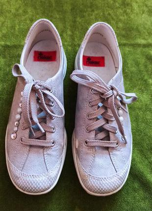 Взуття  ,, rieker,, для дівчинки- підлітка