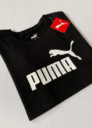 Черная футболка с большим белым логотипом пума/puma