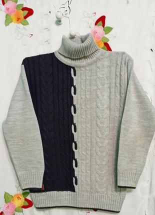 Очень теплый свитер-гольф  толстой  вязки   на мальчика  12-13 лет.