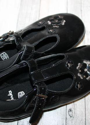 Лаковые нарядные туфли clarks с мигалками