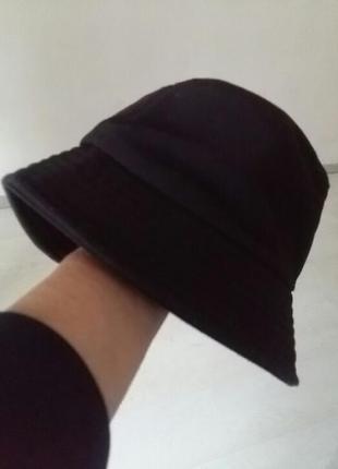 Крутая котоновая дэмисезонная котоновая  шляпа. zara.