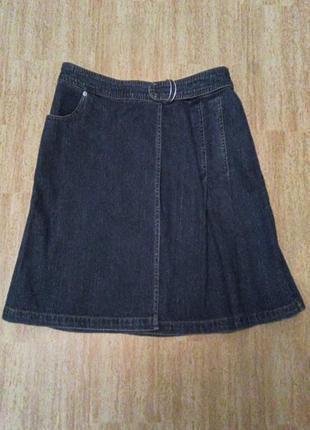 Актуальная джинсовая юбка с запахом